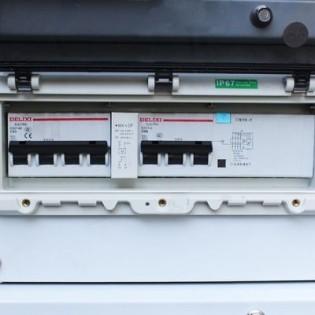 PRÉ-VENTE BLACK + DECKER Groupe électrogène diesel silencieux 6300W mono et tri BXGND7900E